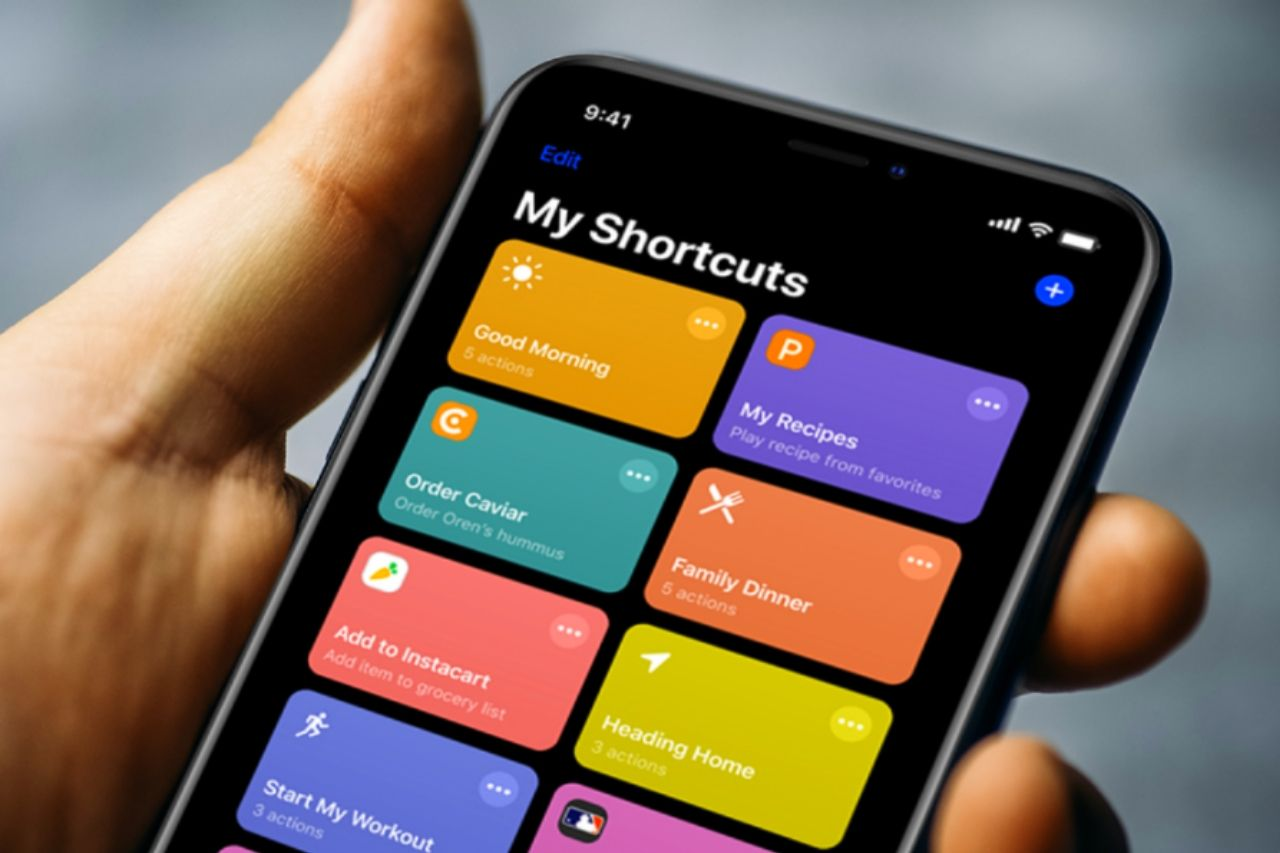 The Best Siri Shortcuts For WhatsApp