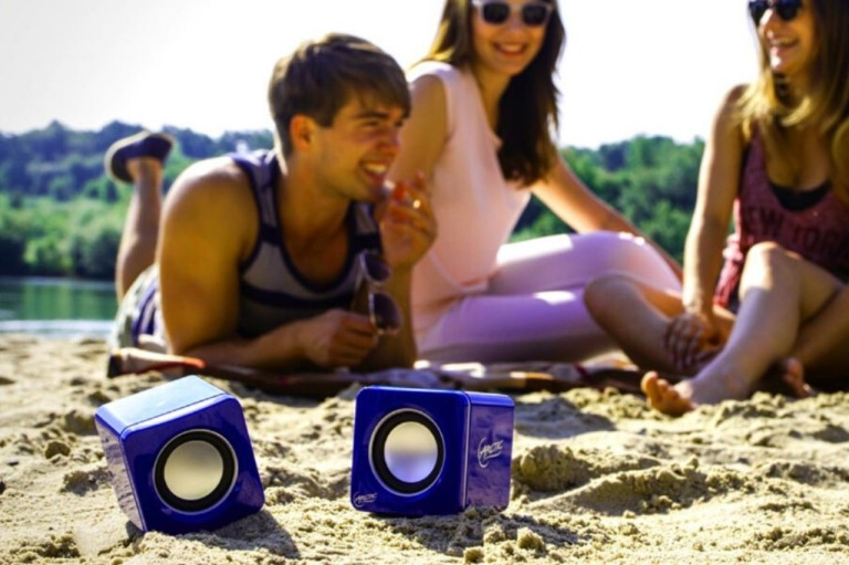 Full music enjoyment on the go - Bluetooth speakers and a strong data plan
