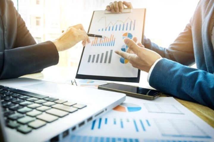 Drawing Parallels Between Business Analysis and Project Management