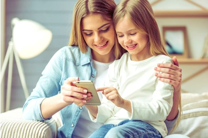 5 Tips On Teaching Your Kids Phone Safety